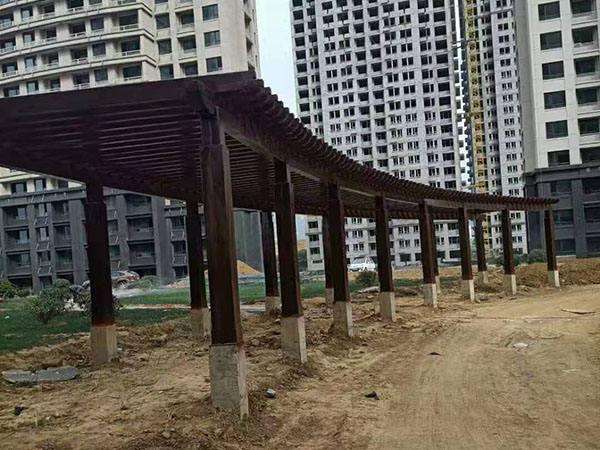 龙湖公园里防腐木工程